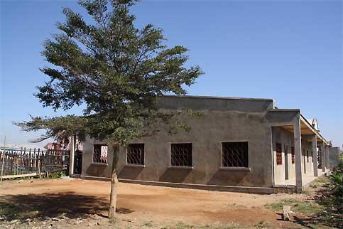 L'école associative  Ile aux enfants  a construit une école dans le quartier d'Anosibe à Tananarive, Madagascar
